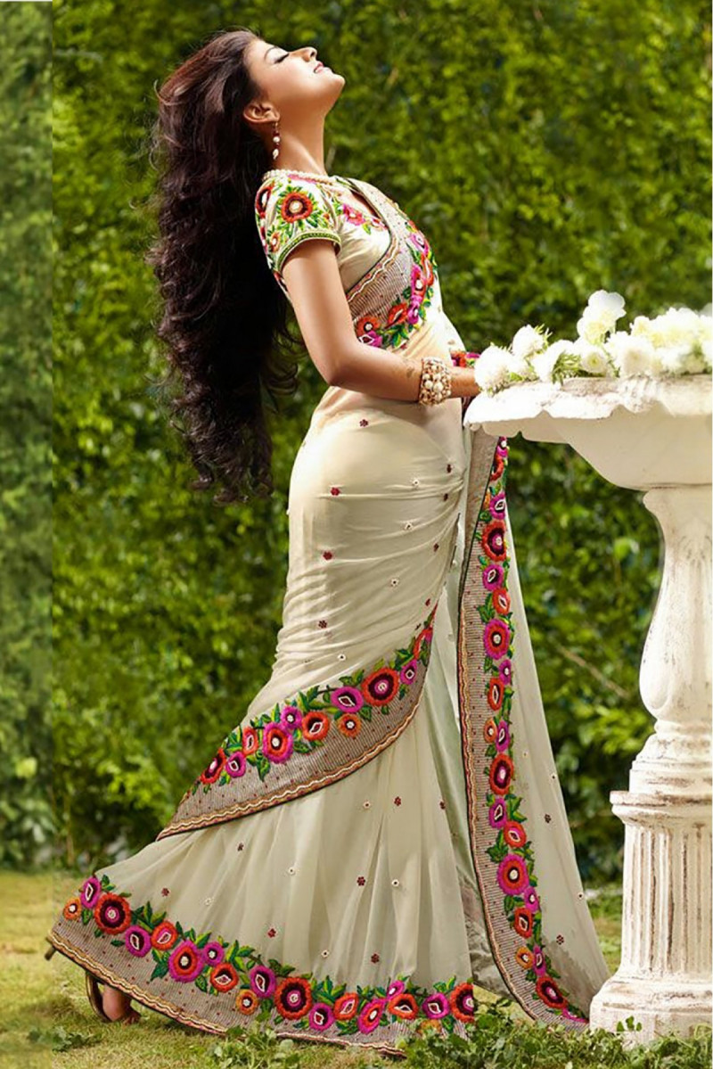 Adoring Off White Color Georgette Saree