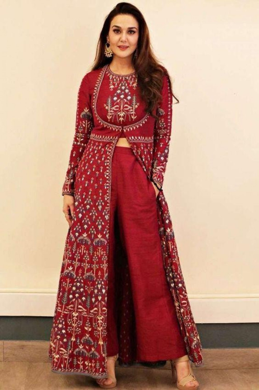Intricate priti zinta ly red Suit