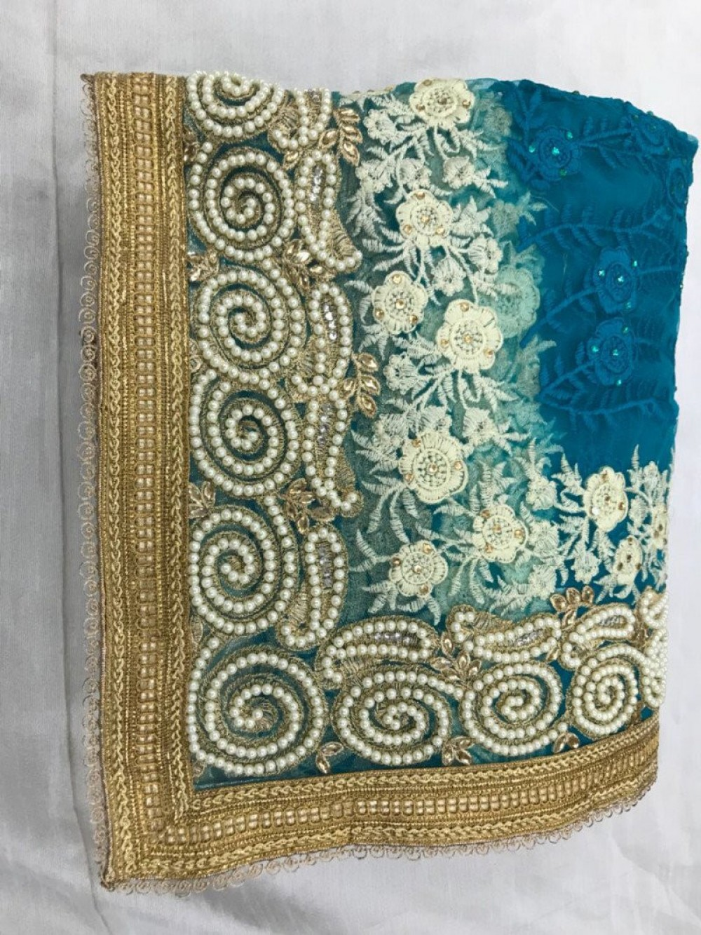 Alluring Exclusive Glowing Rama Net Saree For Festival