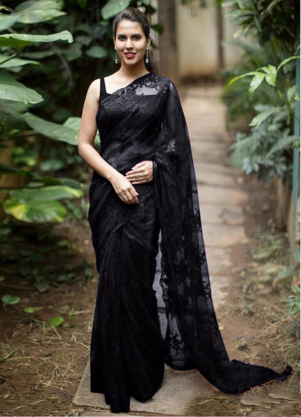 Blushing Casual Wear Black Colour Fancy Saree