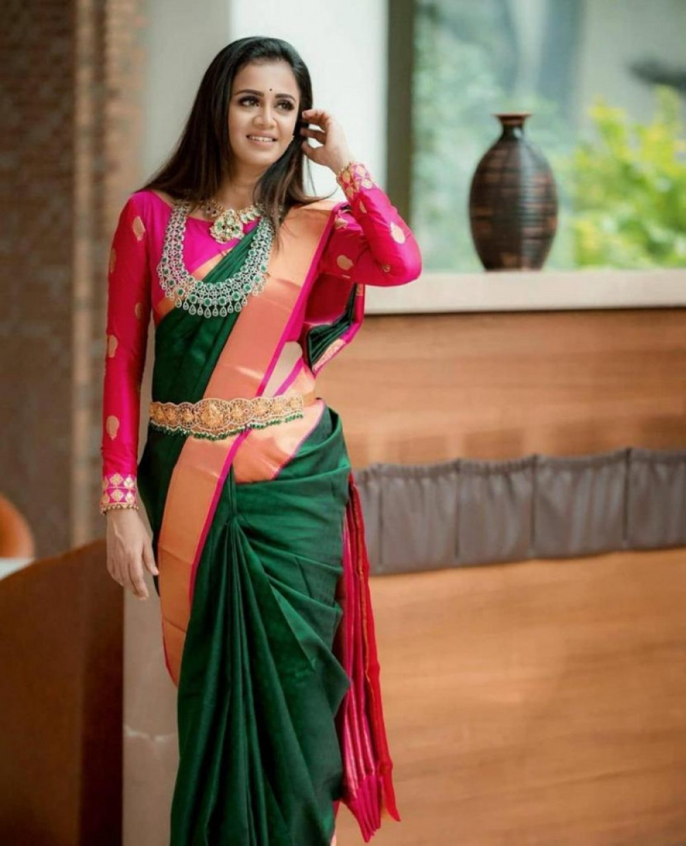 Peacefull Green Colour   Pink Colour Jacquard Saree