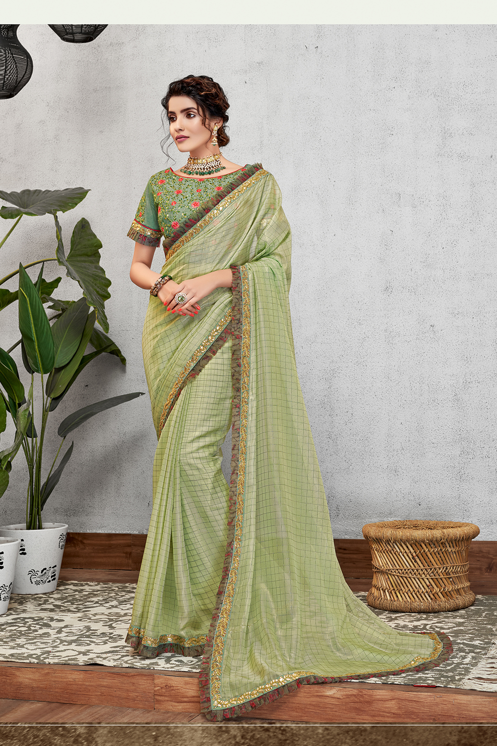 Combining fresh and summery hues with classical embrodieries