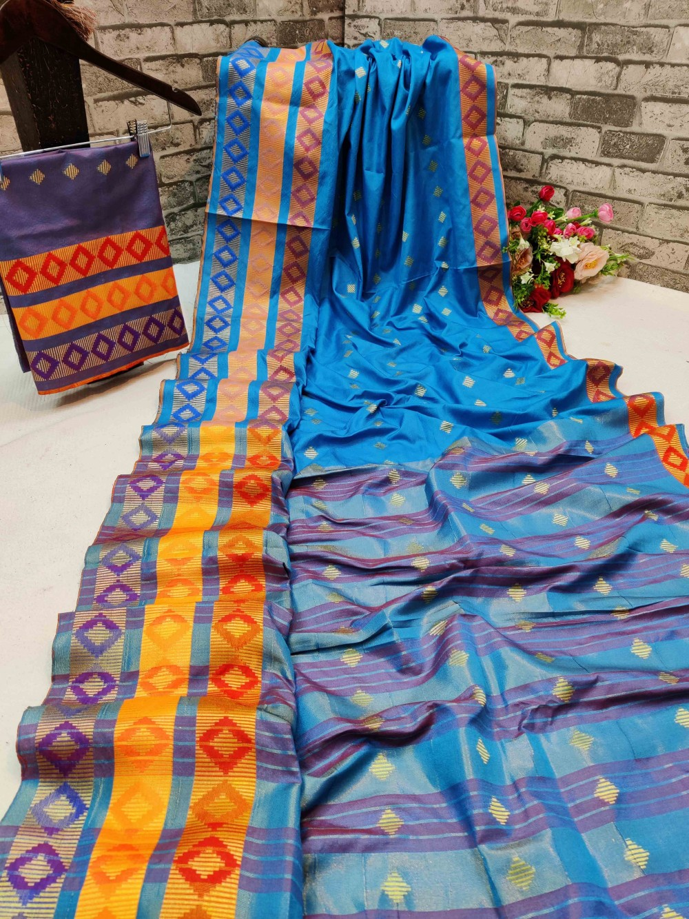 Trendy Store Women s Cotton Silk Fabric with Jacquard Work saree with blouse piece