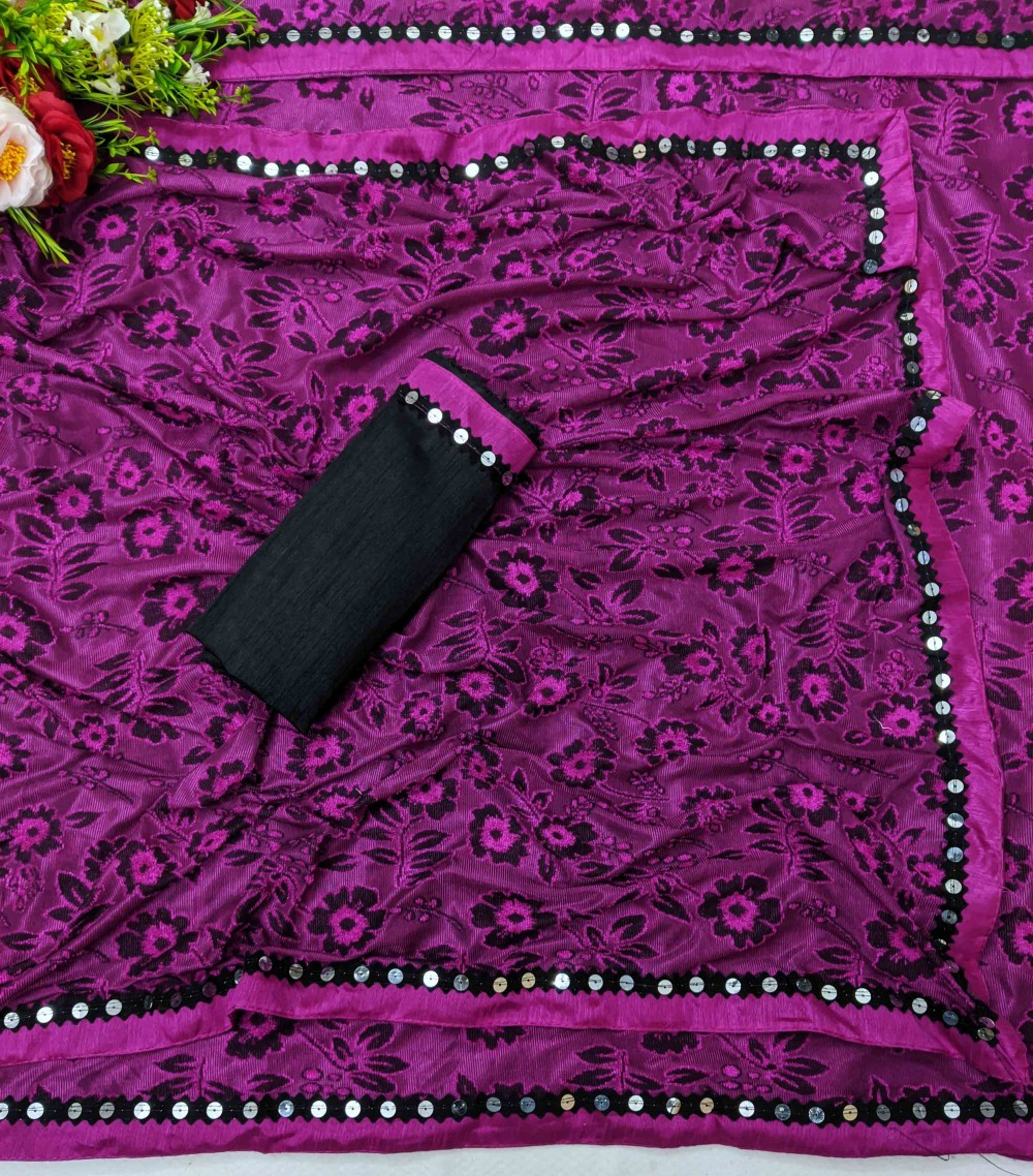 Trendy Store Women s soft knitted sari with jacquard floral pattern and designer lace with contrast black blouse