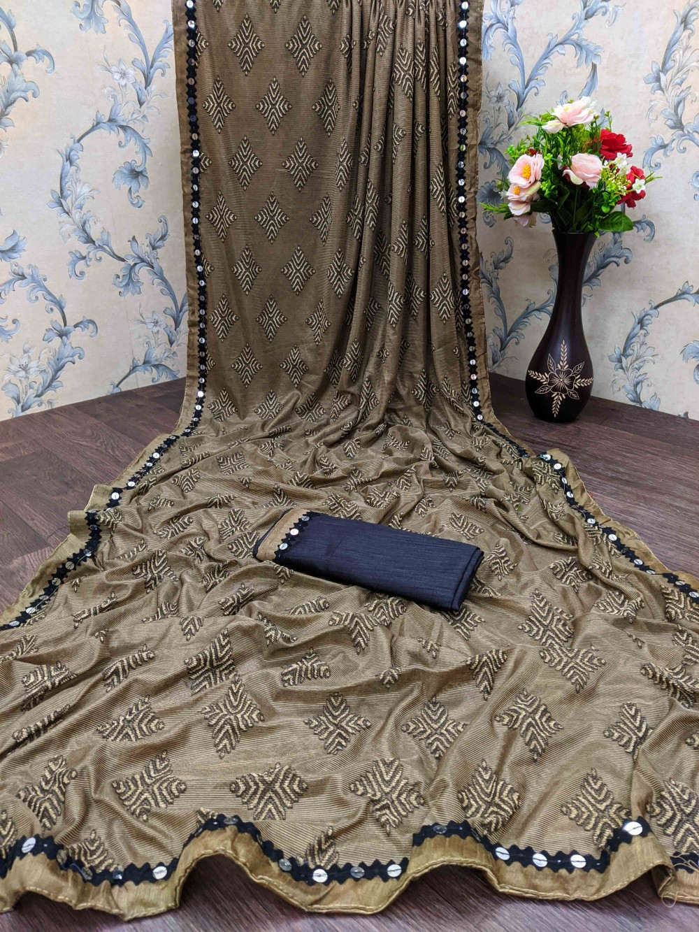 Trendy Store Women s soft knitted sari with jacquard geometric pattern and designer lace with contrast black blouse