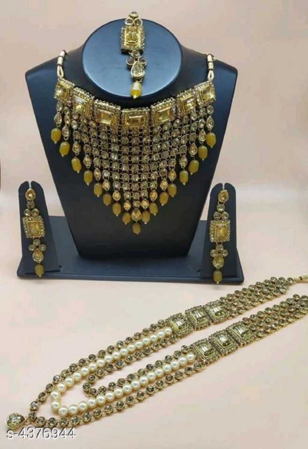 Alloy Gold-plated Jewel Set  (Gold, Yellow)